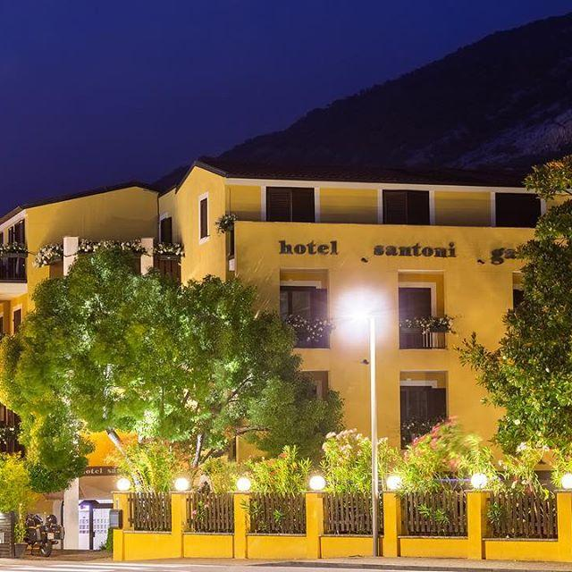 A beautiful picture of our hotel in the evening! Do you like it? Come and visit us!